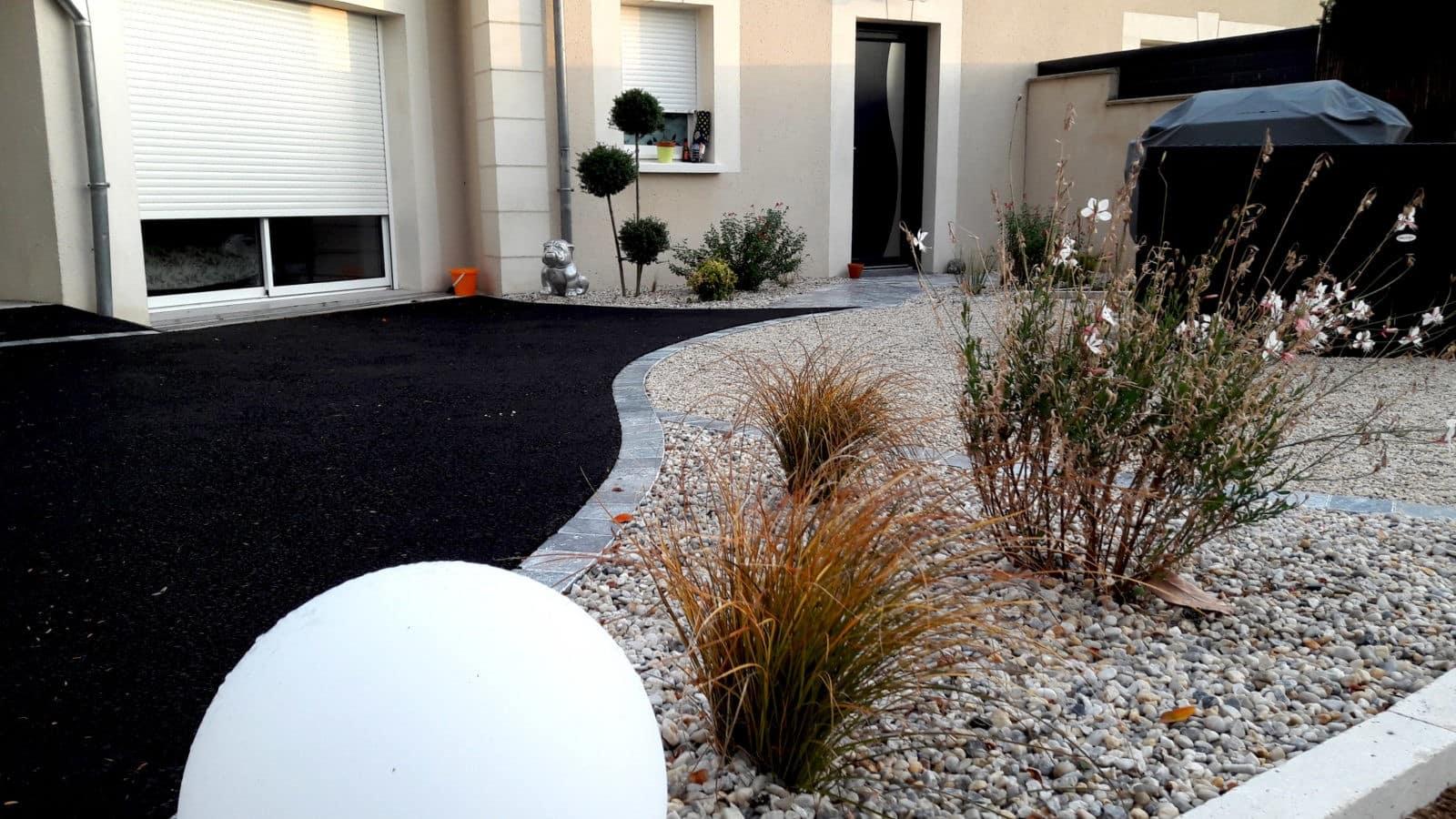 Comment Aménager Jardin Pas Cher comment aménager une cour extérieure ? - lantana paysage