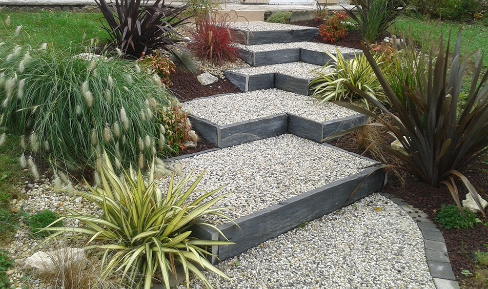 Aménagement jardin en pente - Lantana Paysage