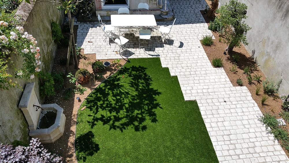 Aménagement petit jardin de ville, jardin urbain - Lantana ...